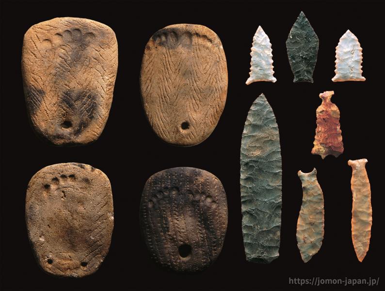 垣ノ島遺跡 足形付土版と石器