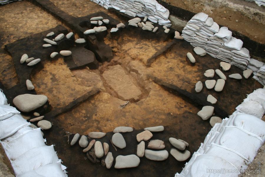 三内丸山遺跡 環状配石墓