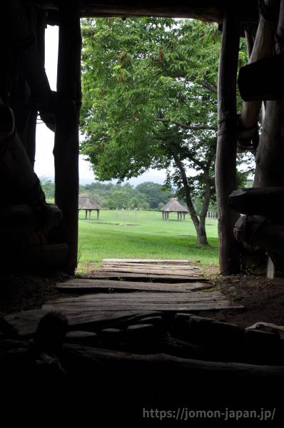 竪穴住居からみた御所野遺跡