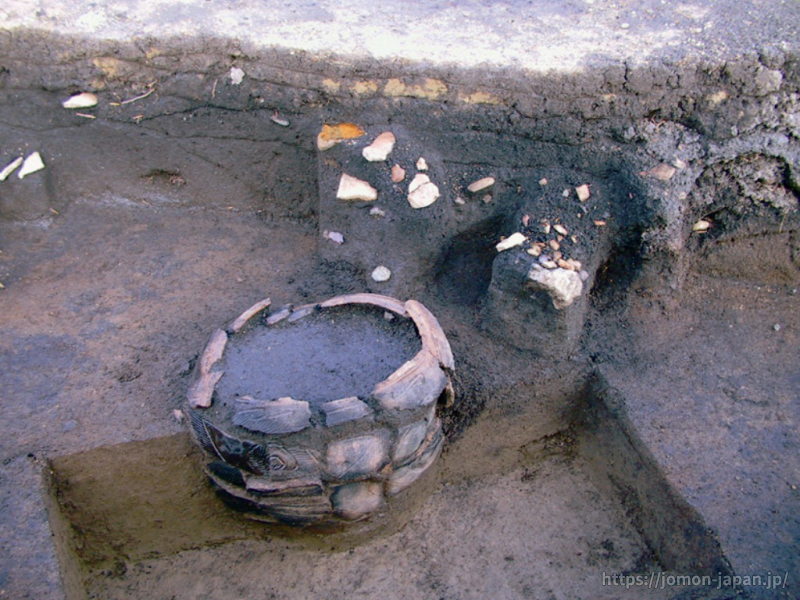 鷲ノ木遺跡 埋設土器