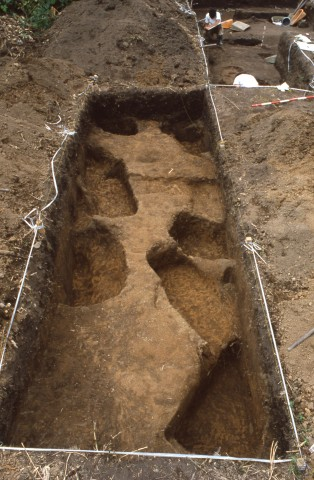Pit graves