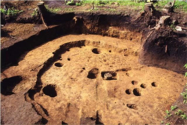 Pit dwelling