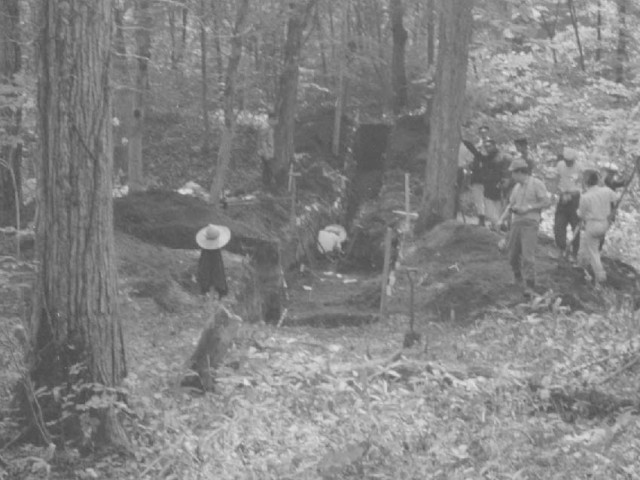 Excavation of Earthwork Burial Circle No. 1 (Jul. 1964)