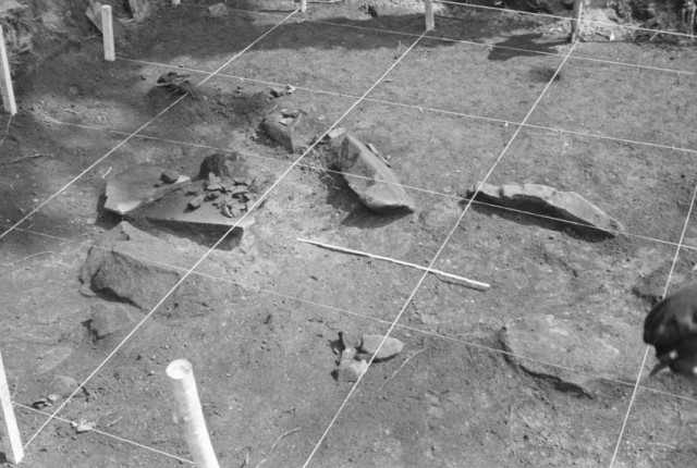 Pit grave of Earthwork Burial Circle No. 2 (Jul. 1965)