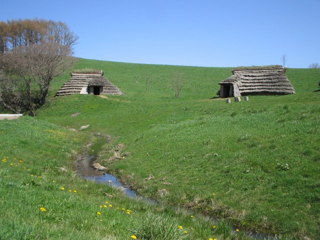 Pit dwellings and spring water