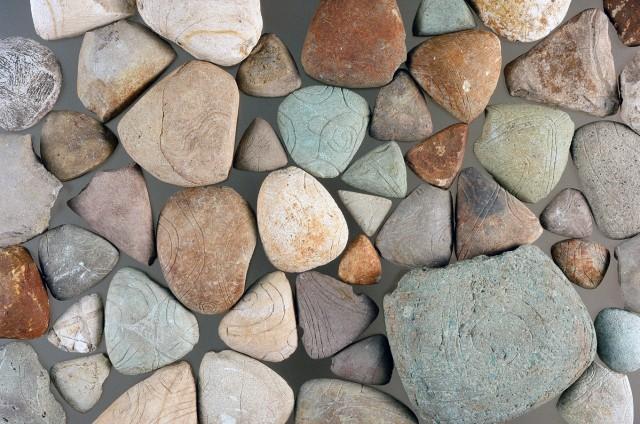 Triangular stone plates