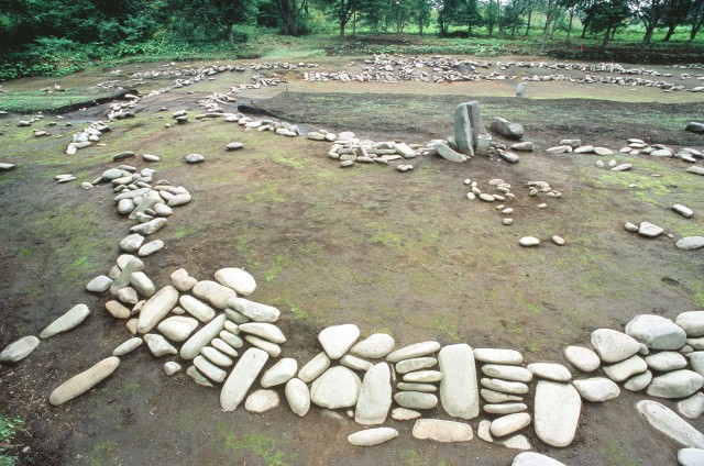 Stone circle (Komakino style of stone arrangement)