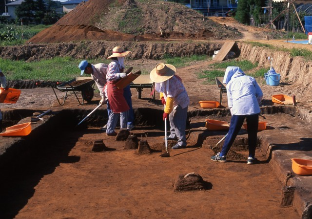 Excavation work at the Odai-Yamamoto Site