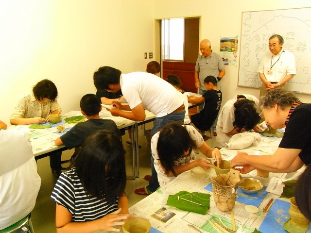 Kid's course in Jomon Culture(Let's Make a Pottery!)