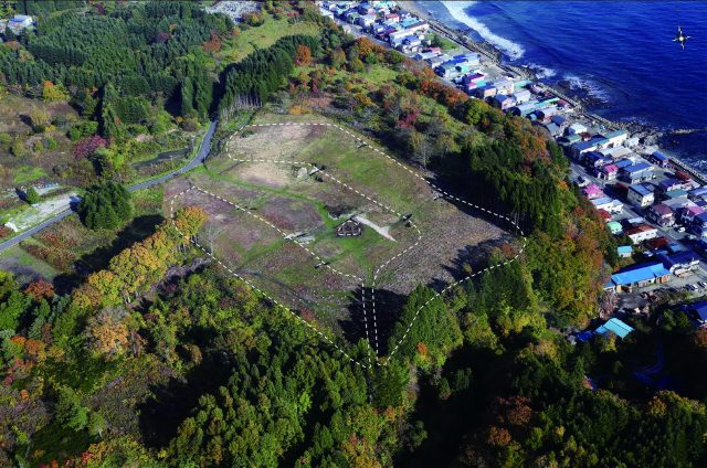 Full view of an earthwork mound, Kakinoshima Site