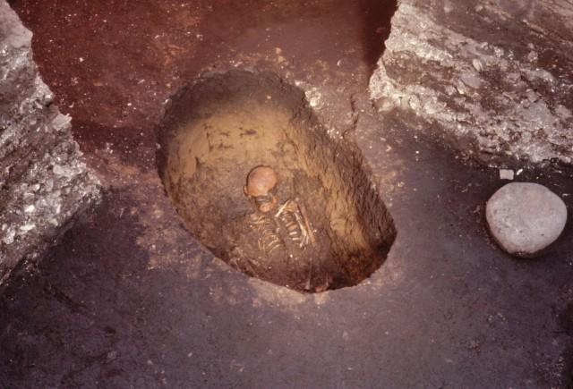 縄文時代前期の墓