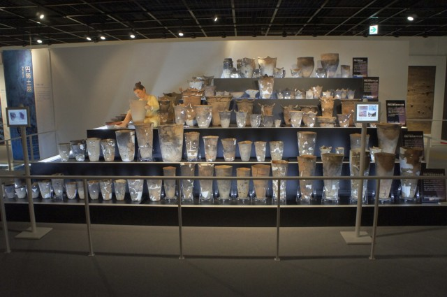 土器タワー(さんまるミュージアム)